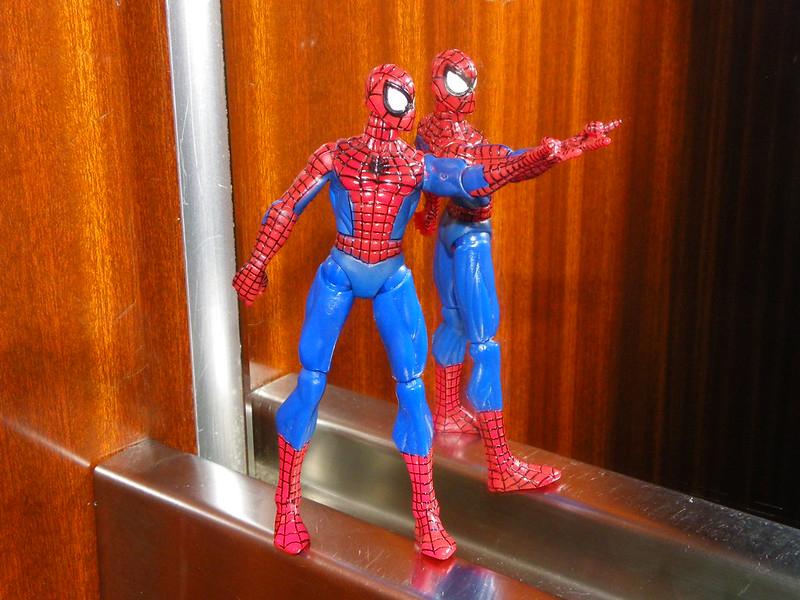 スパイダーマンの玩具の写真
